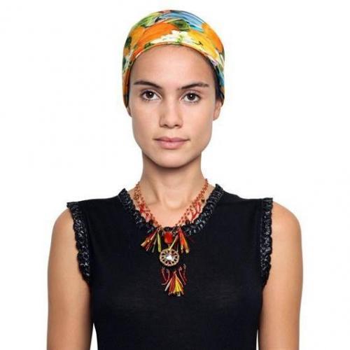 Dolce & Gabbana Halskette mit Anhängern aus Raffia