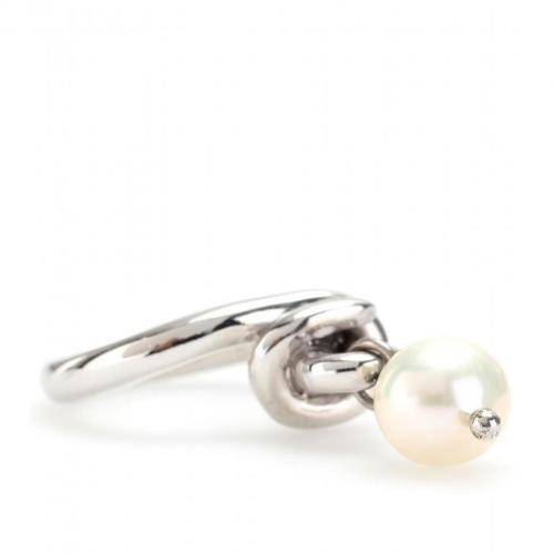 Makri for The Row Knot Ring aus 950er Silber Weissgold-Vergoldet mit Perle